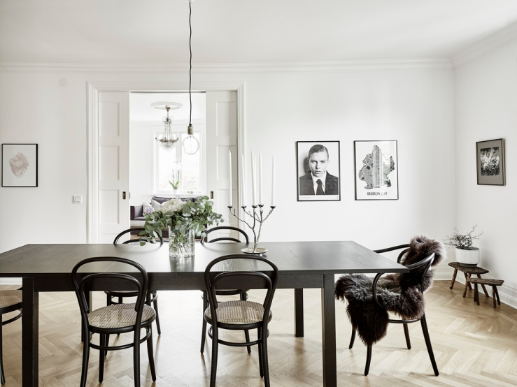A fabulous monochrome scandinavian house