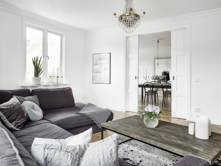 A fabulous monochrome scandinavian house